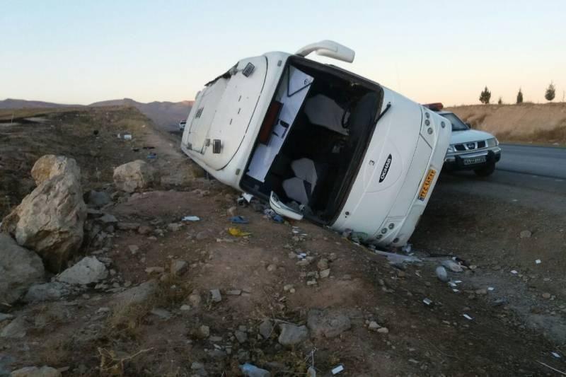 اتویوس مشهدـ ساری در گلستان واژگون شده است