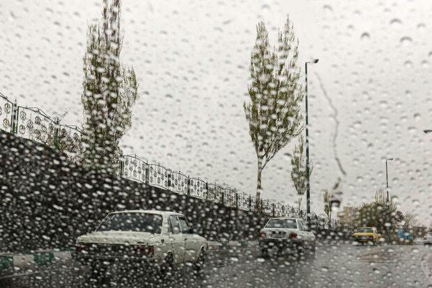 راه ها بارانی لغزنده  جاده+ عبارت