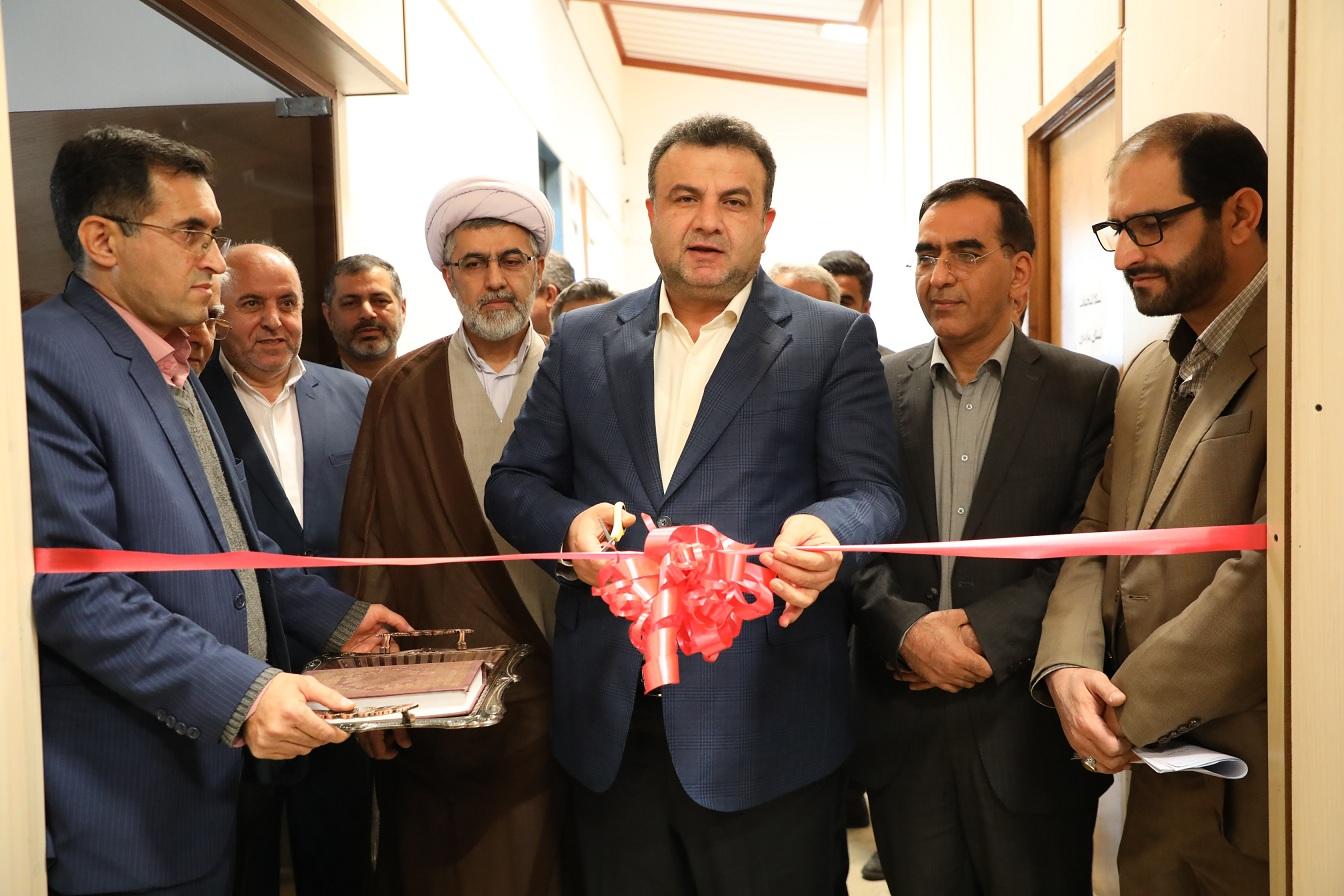 ستاد انتخابات استان با استاندار + عبارت