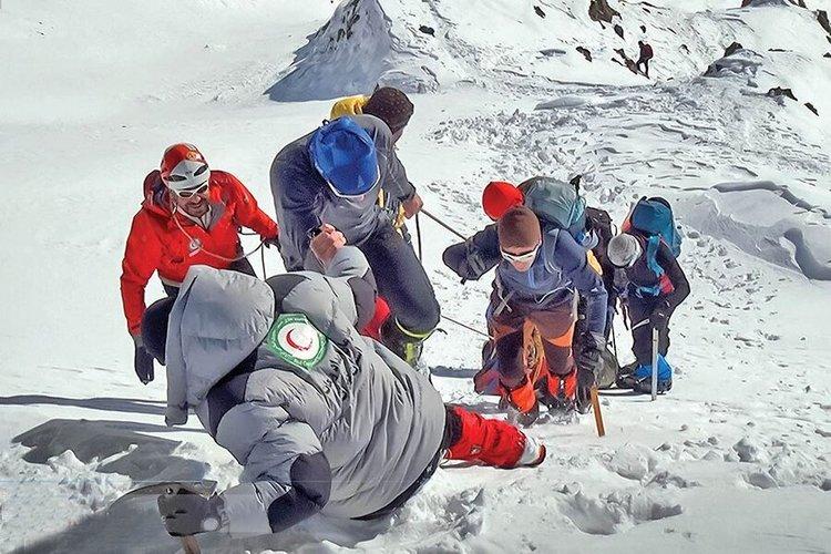 هلال احمر+کوهنورد+عبارت
