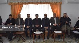 دیدار دکتر محسنی بندپی؛ رییس سازمان بهزیستی کشور  با خانواده شهید مصطفی علمدار+عبارت