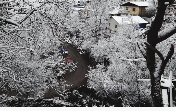 روز برفی در روستاهای ییلاقی بخش مرزن آباد