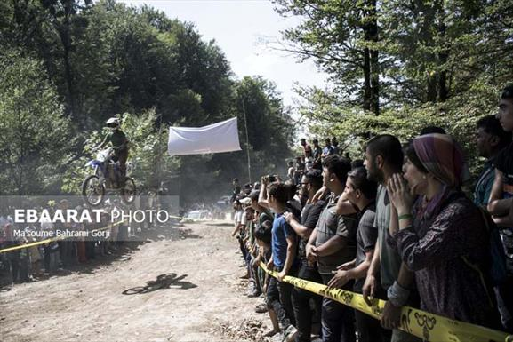 جشن رنگ و سرسره بازی در گرجی محله بهشهر