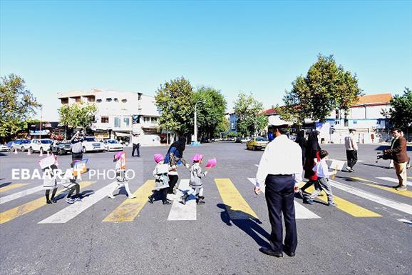 کودکان ساروی در میدان شهرآشوب+عبارت