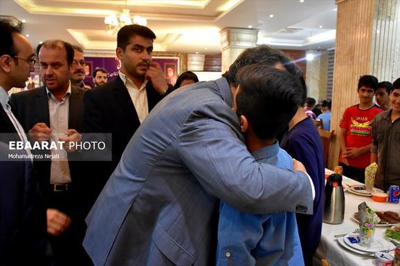 دیدار استاندار مازندران با فرزندان بهزیستی+ عبارت