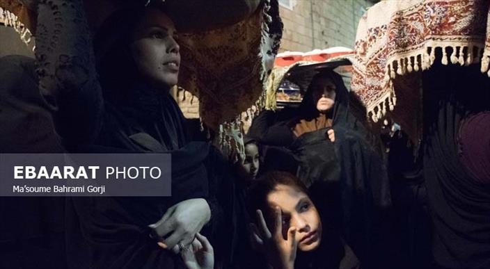 سنت دیرینه مجمع گذاری و شام دهی شب های محرم در روستای کوهستان بهشهر-عبارت